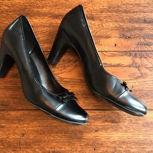 "Predictions Size 8 1/2W Back 3"" Heels GUC"